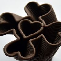 3D Chocolate Print - Simple Spiralling Heart Clover, Side